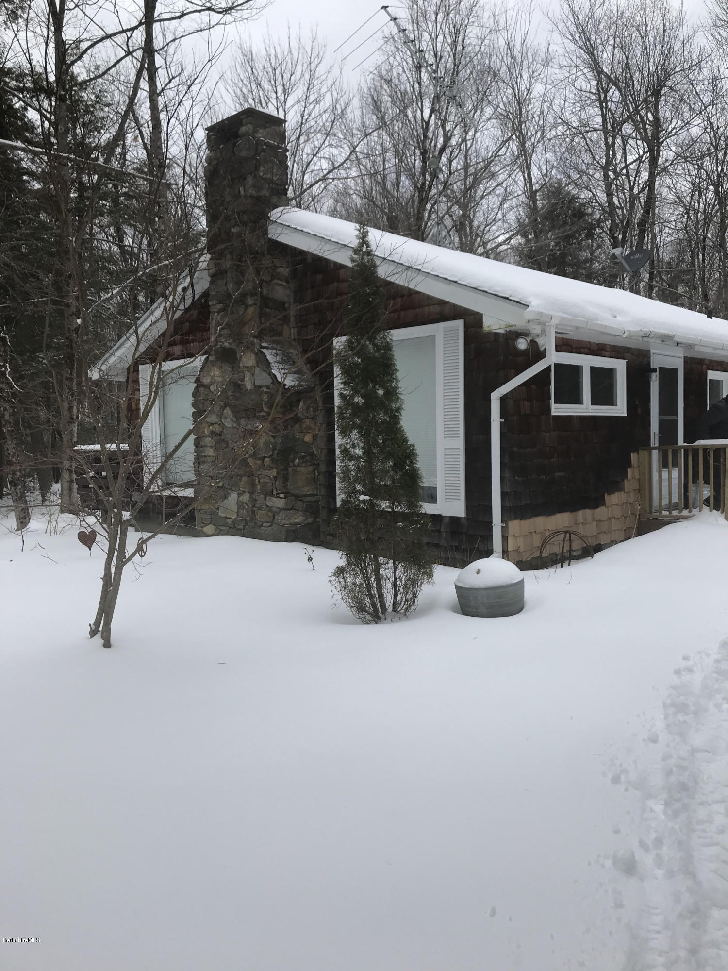 36 Forest Ln Becket MA 01223
