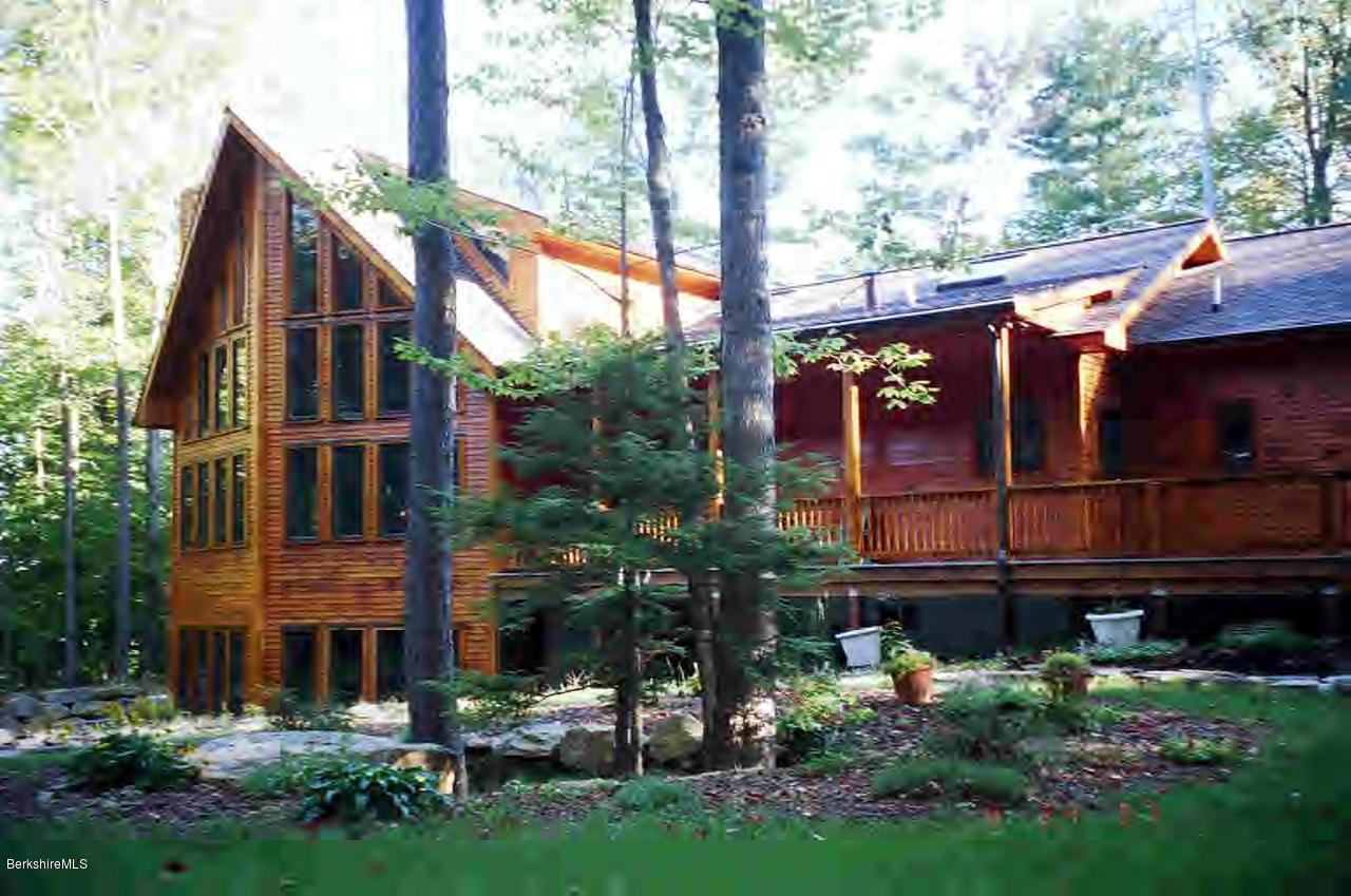 108 Valley View Rd Becket MA 01223