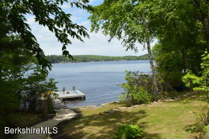 5 North Lake Ave, Otis, MA 01253