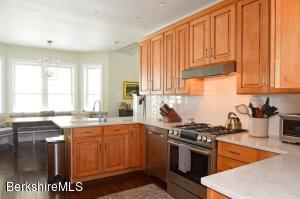 18 Oxbow Egremont MA 01230