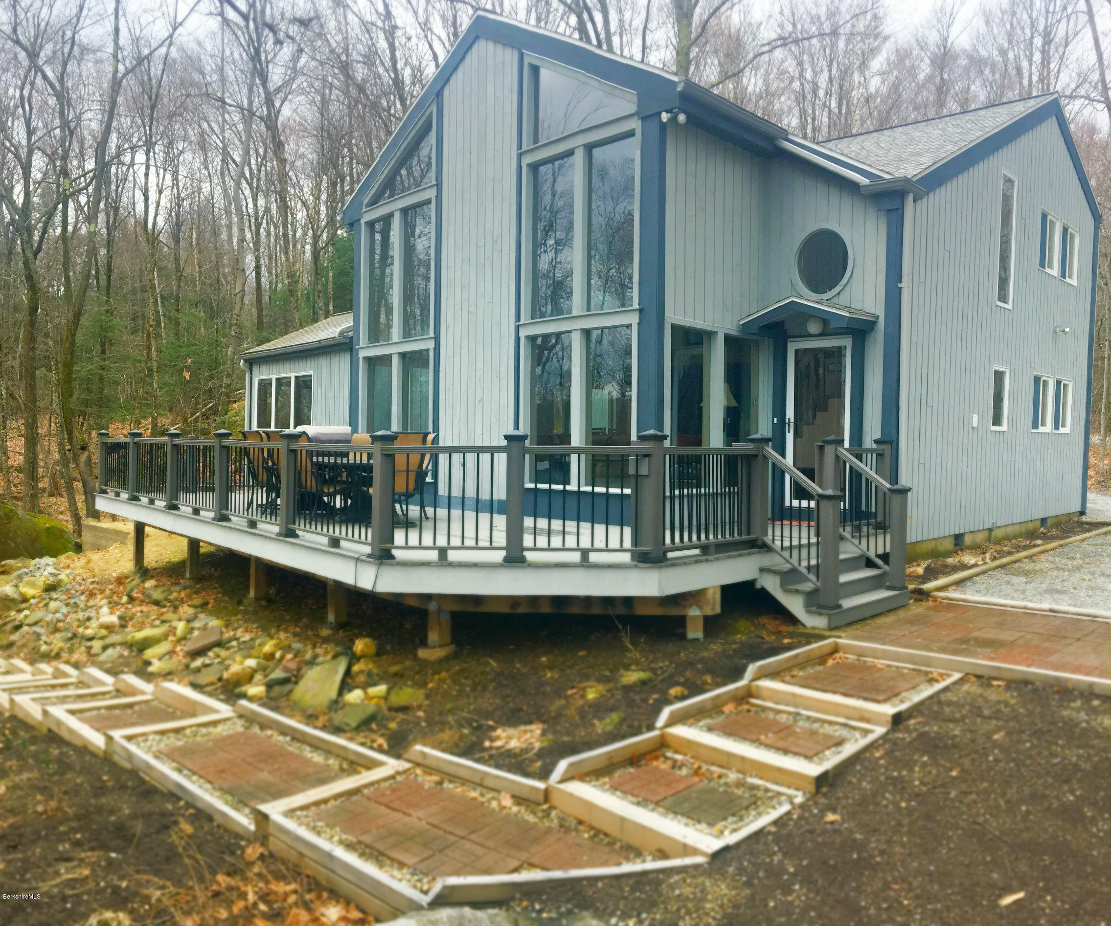 34 Iroquois Ave Becket MA 01223