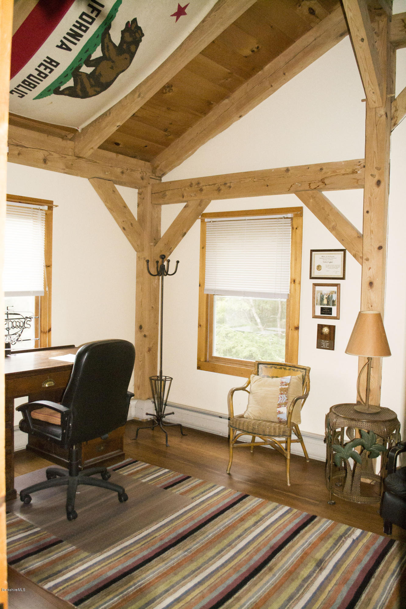 office/ 3rd bedroom