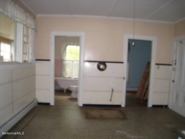 Unit 2 kitchen (2)
