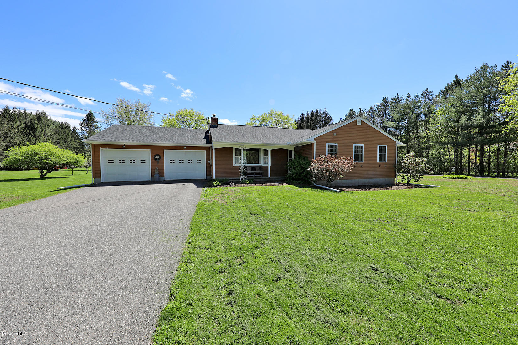 7 Comstock Ln Great Barrington MA 01230
