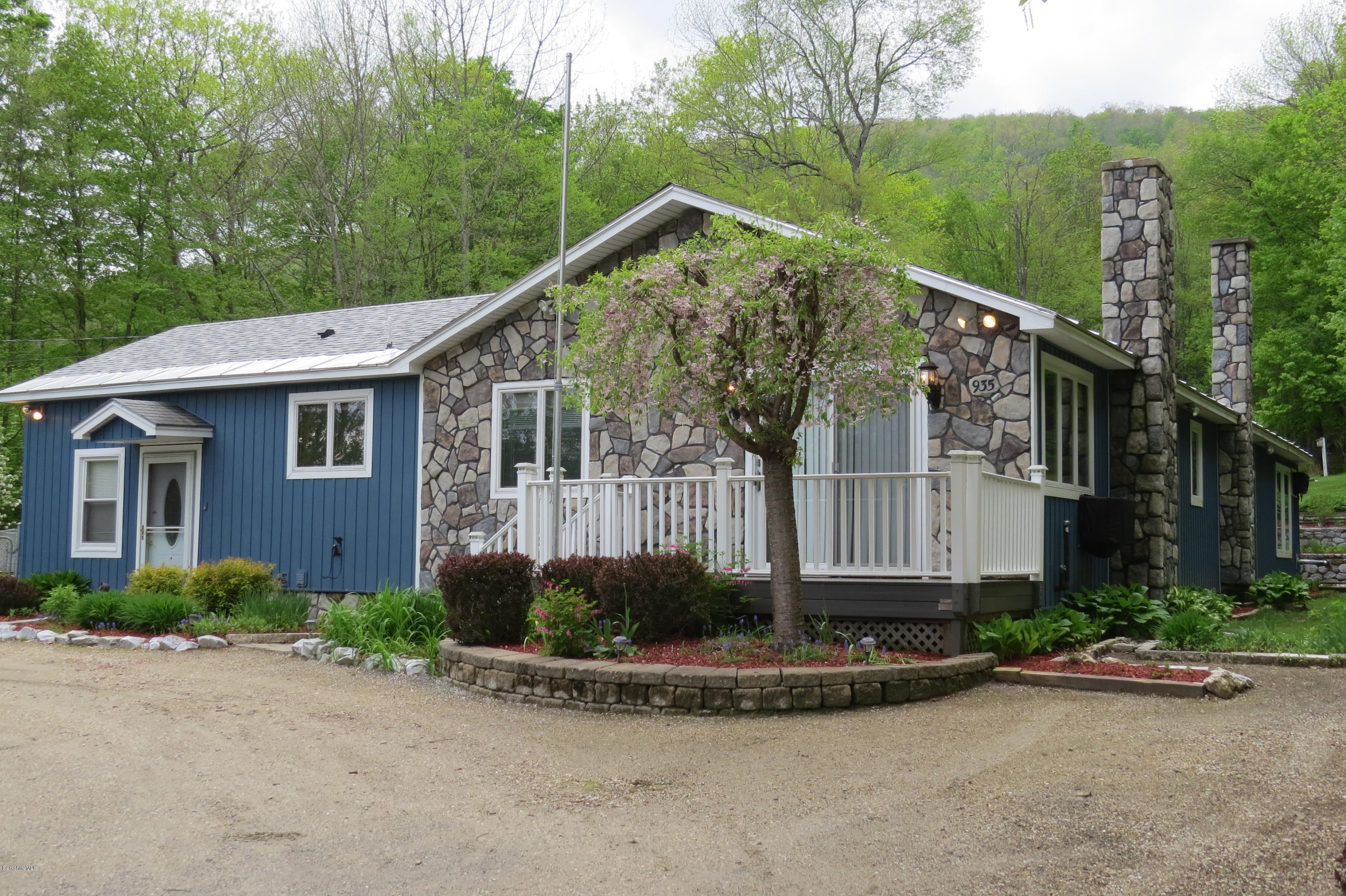 935 Outlook Ave, Cheshire, MA 01225 | Berkshire Property Agents