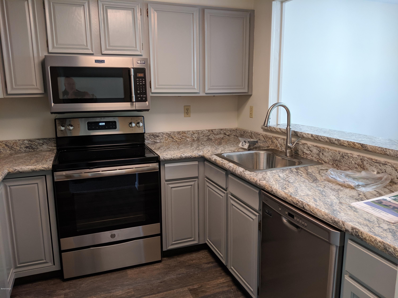 Kitchen witrh new appliances