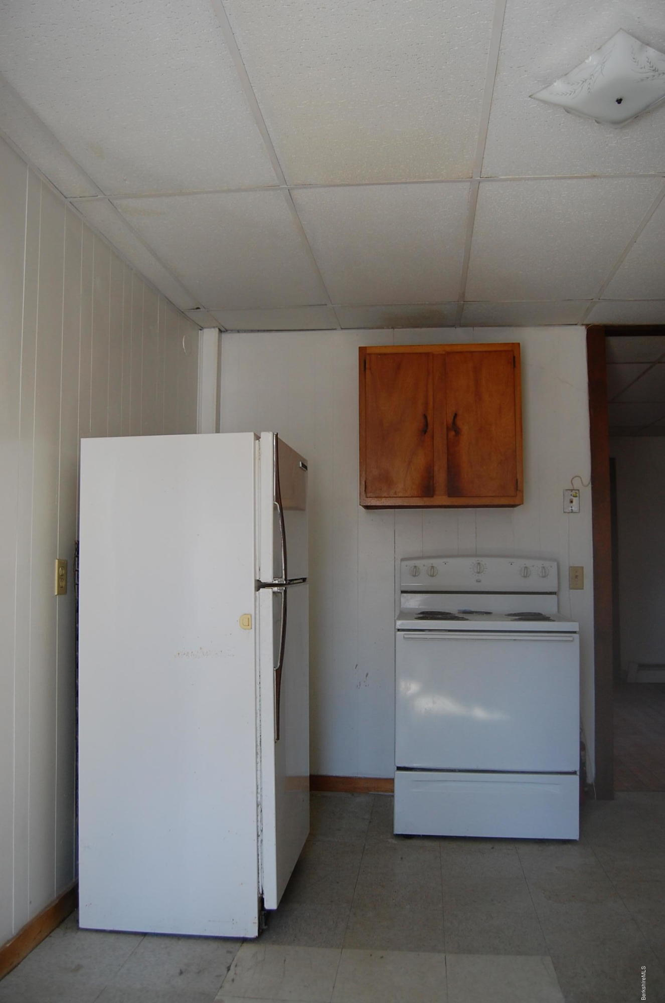 6. Stove and fridge