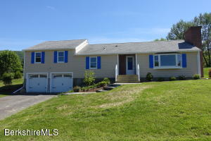51 Willshire Dr Williamstown MA 01267