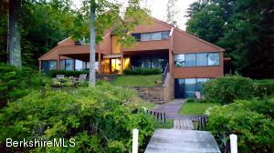 104 Interlaken Rd, Stockbridge, MA 01262