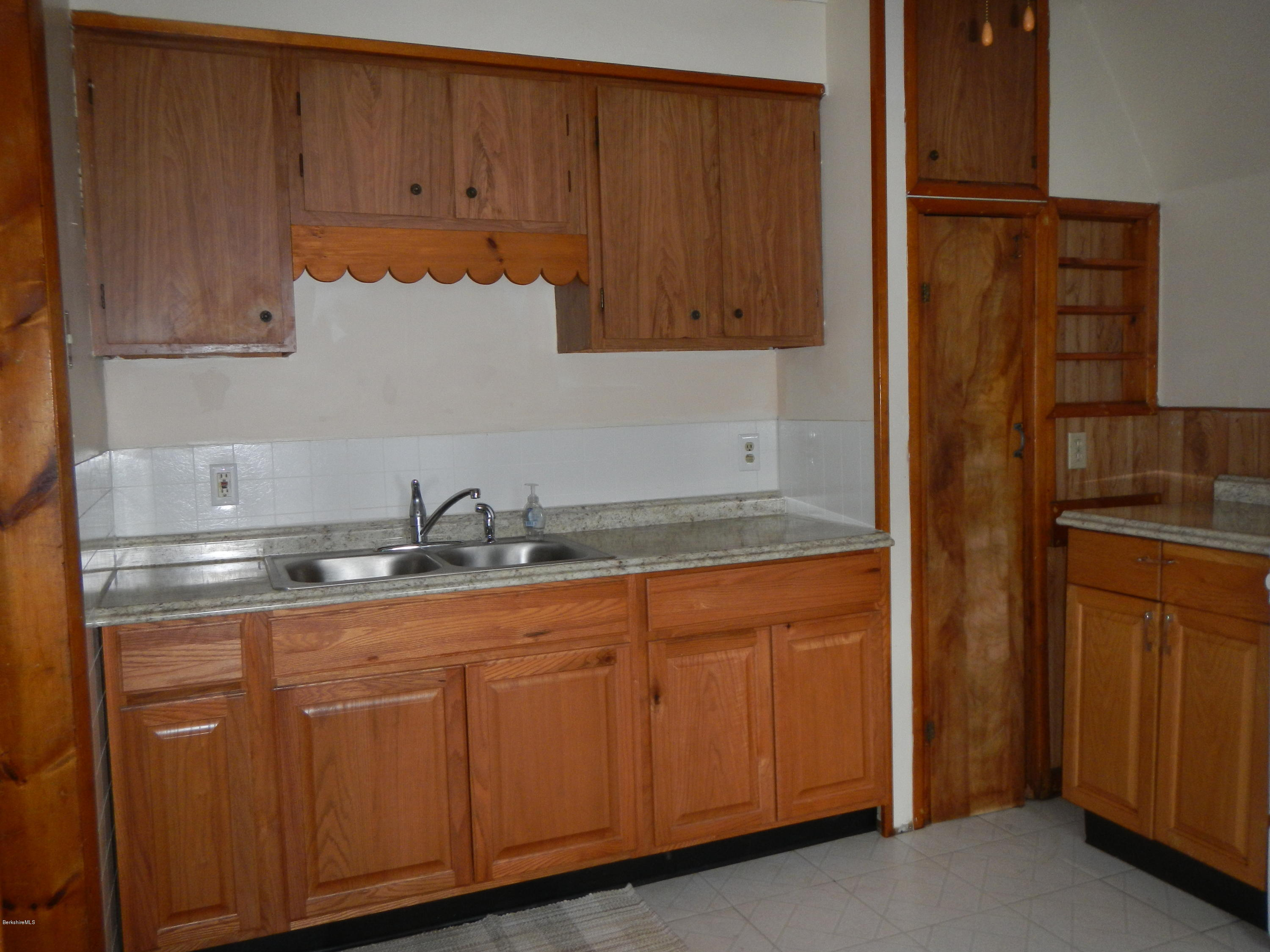 2nd floor kitchen