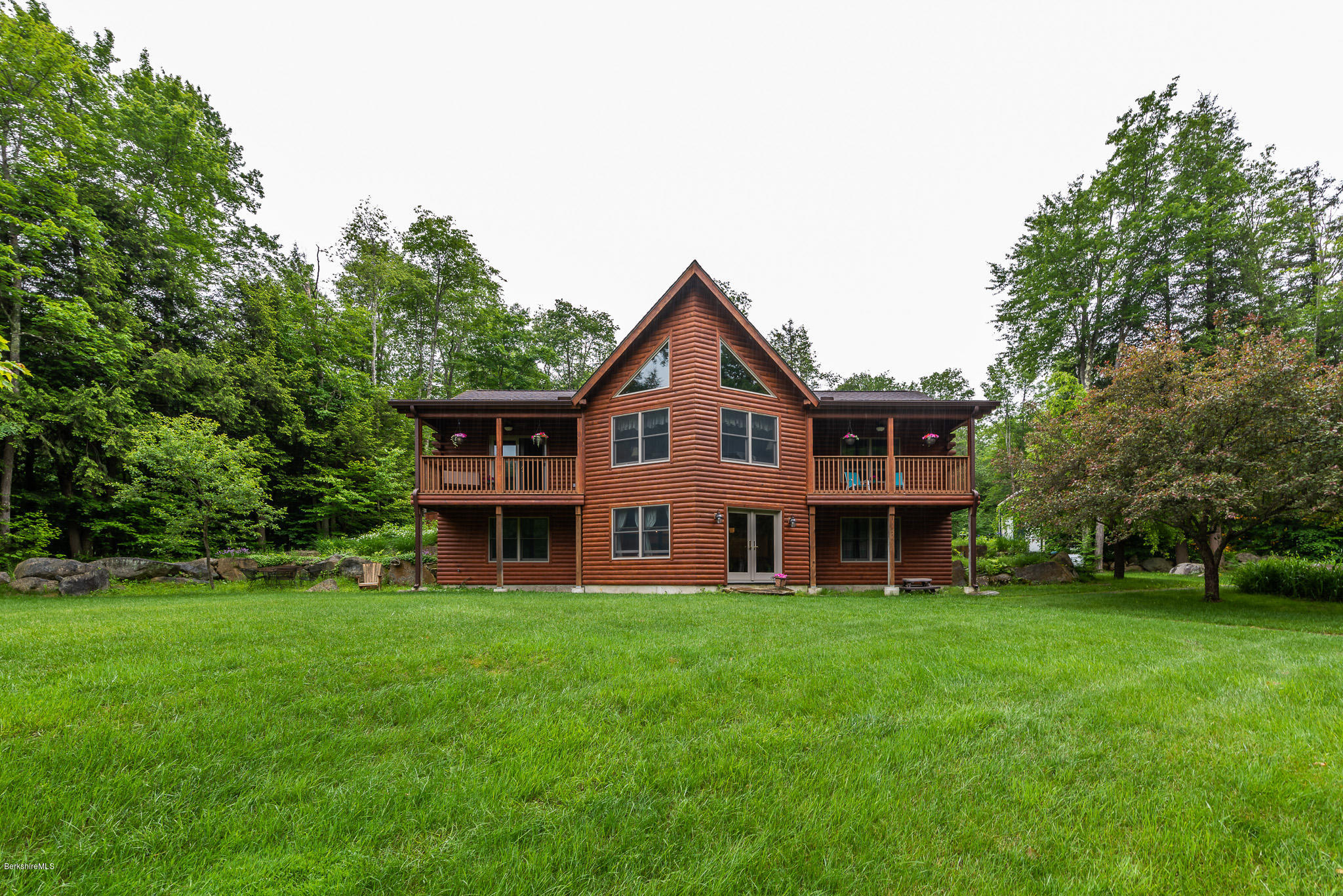 Berkshire County | Log Homes | Log Cabins | For Sale
