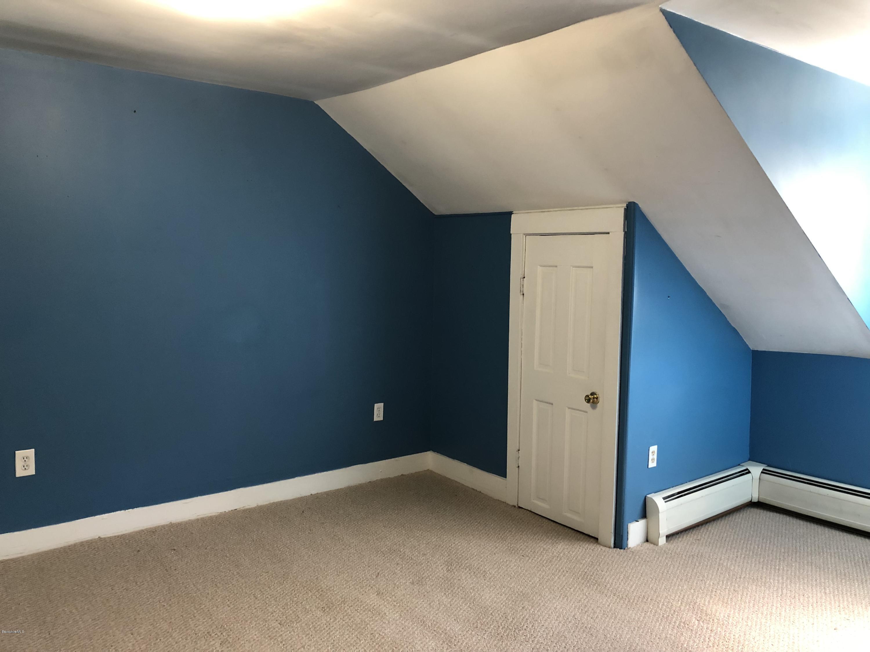 Bedroom 1 - 10