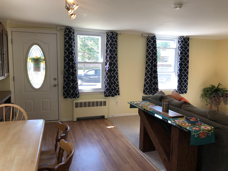 Living Room 4 - 12