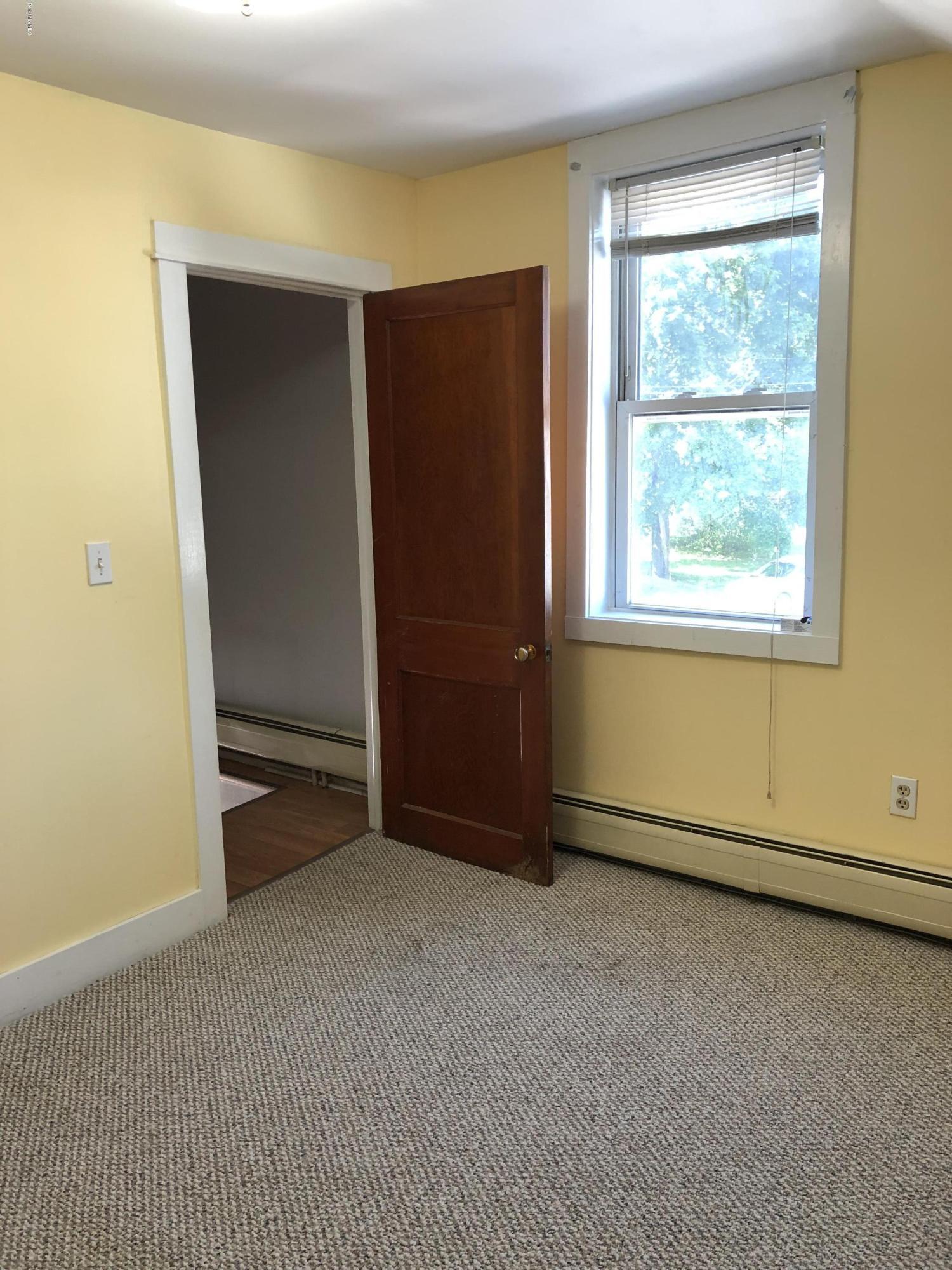 Bedroom 2_-10