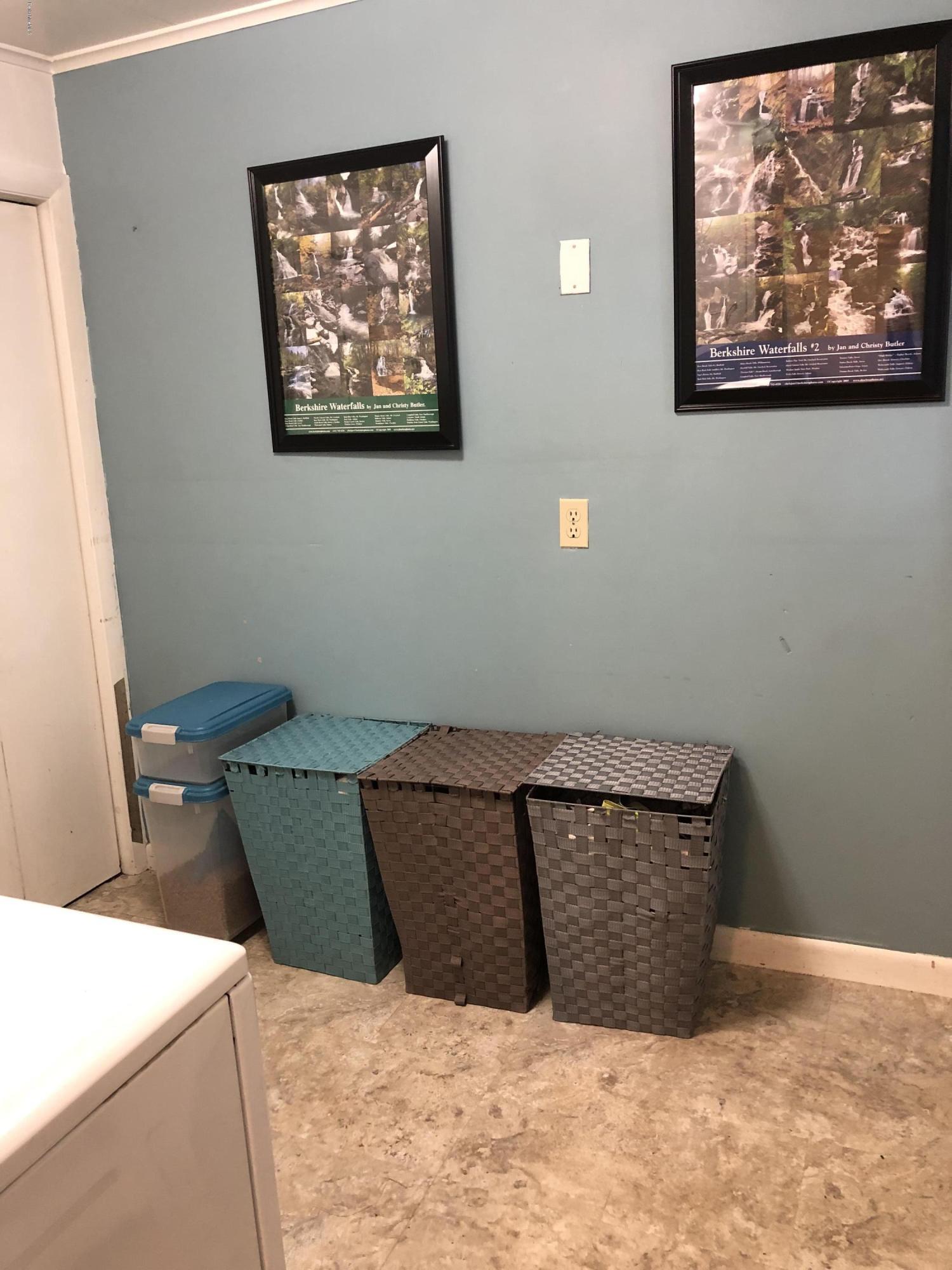 Laundry Room 2 - 12