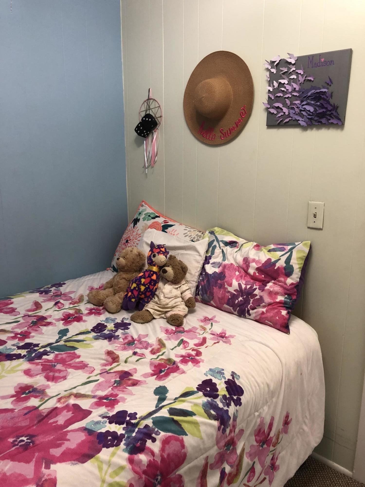 Bedroom 2 - 2 - 12