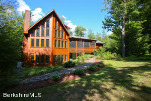 108 Valley View Rd, Becket, MA 01223