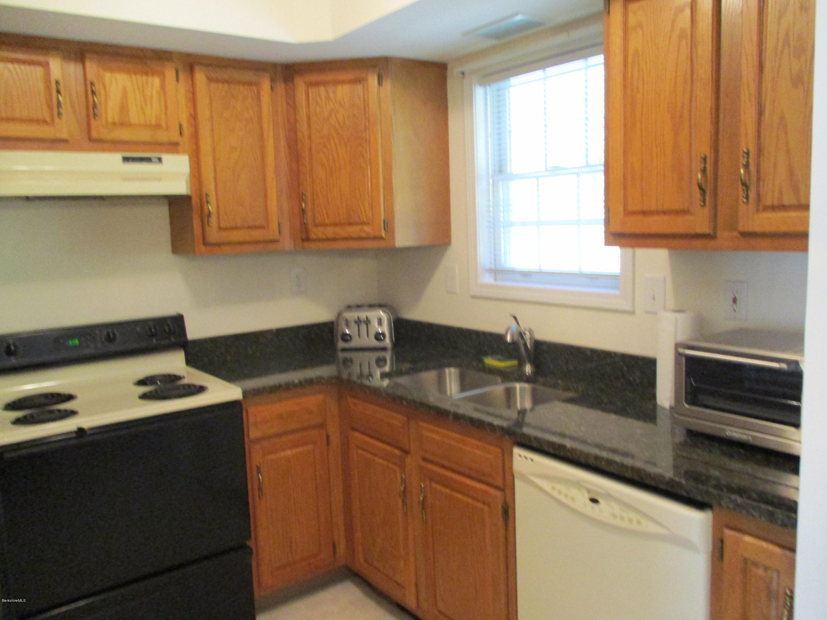 Unit 1 Granite Kitchen