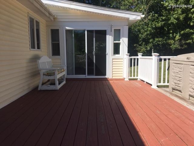 Deck accees to 4 season room