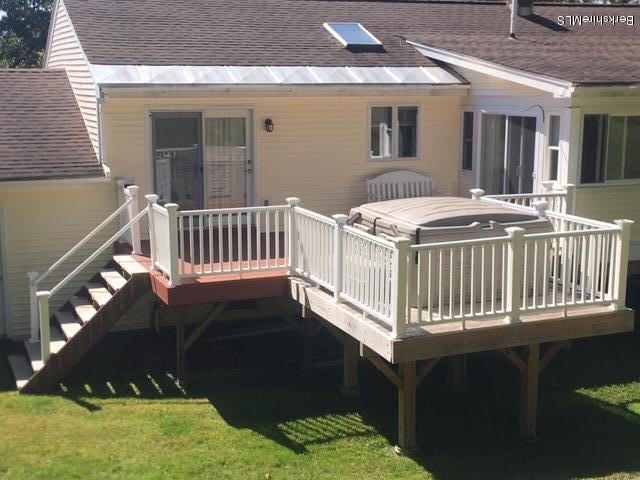 Deck with dining room access