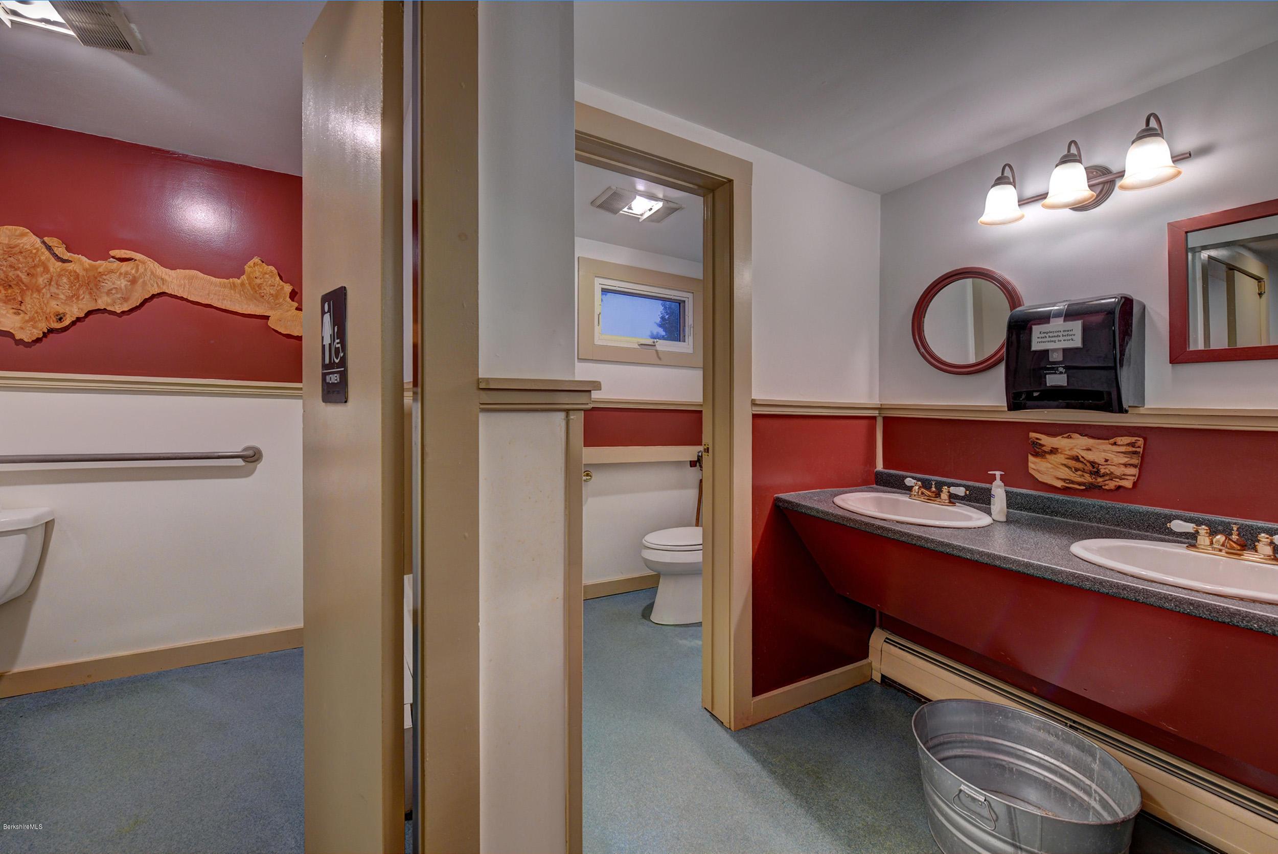 650 Main Sheffield MA 01257