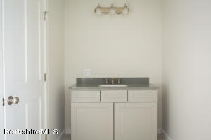 205 Main Monterey MA 01245