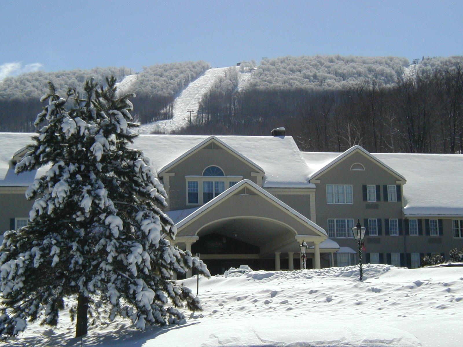 37 Corey Rd, Hancock, Massachusetts 01237, 1 Bedroom Bedrooms, 3 Rooms Rooms,1 BathroomBathrooms,Condominium,For Sale,Corey Rd,229763