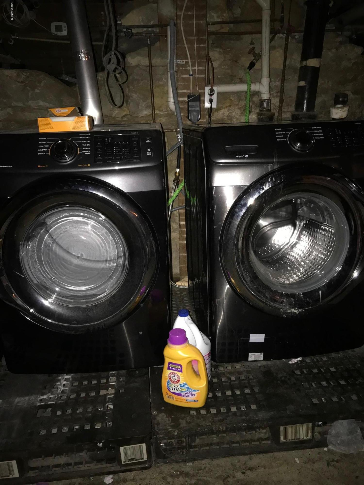 Washer dryer can stay