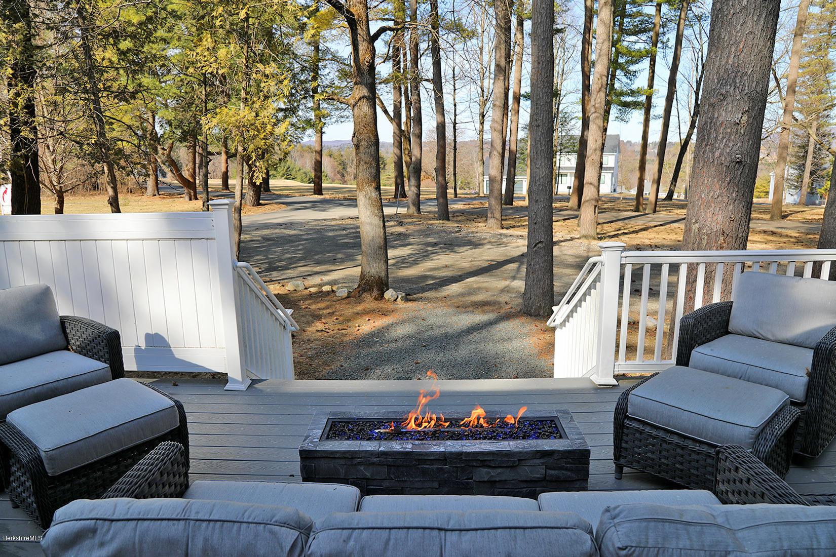 850 Summer, Lee, Massachusetts 01238, 4 Bedrooms Bedrooms, 7 Rooms Rooms,5 BathroomsBathrooms,Condominium,For Sale,Summer,230044