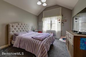 16 Lillybrook Pittsfield MA 01201