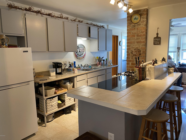 unit 2 kitchen vw 2