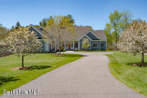 20-A Goodrich St, Stockbridge, MA 01262