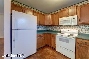 104 Candlewood Williamstown MA 01267