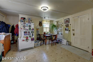 54 Oblong Williamstown MA 01267