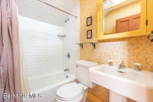 10 Cherry Stockbridge MA 01262