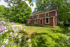 17 Cross West Stockbridge MA 01266