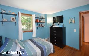 38 Saratoga Pittsfield MA 01201