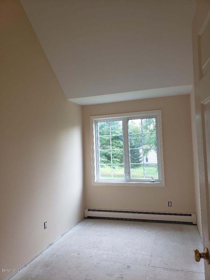 bedroom.3