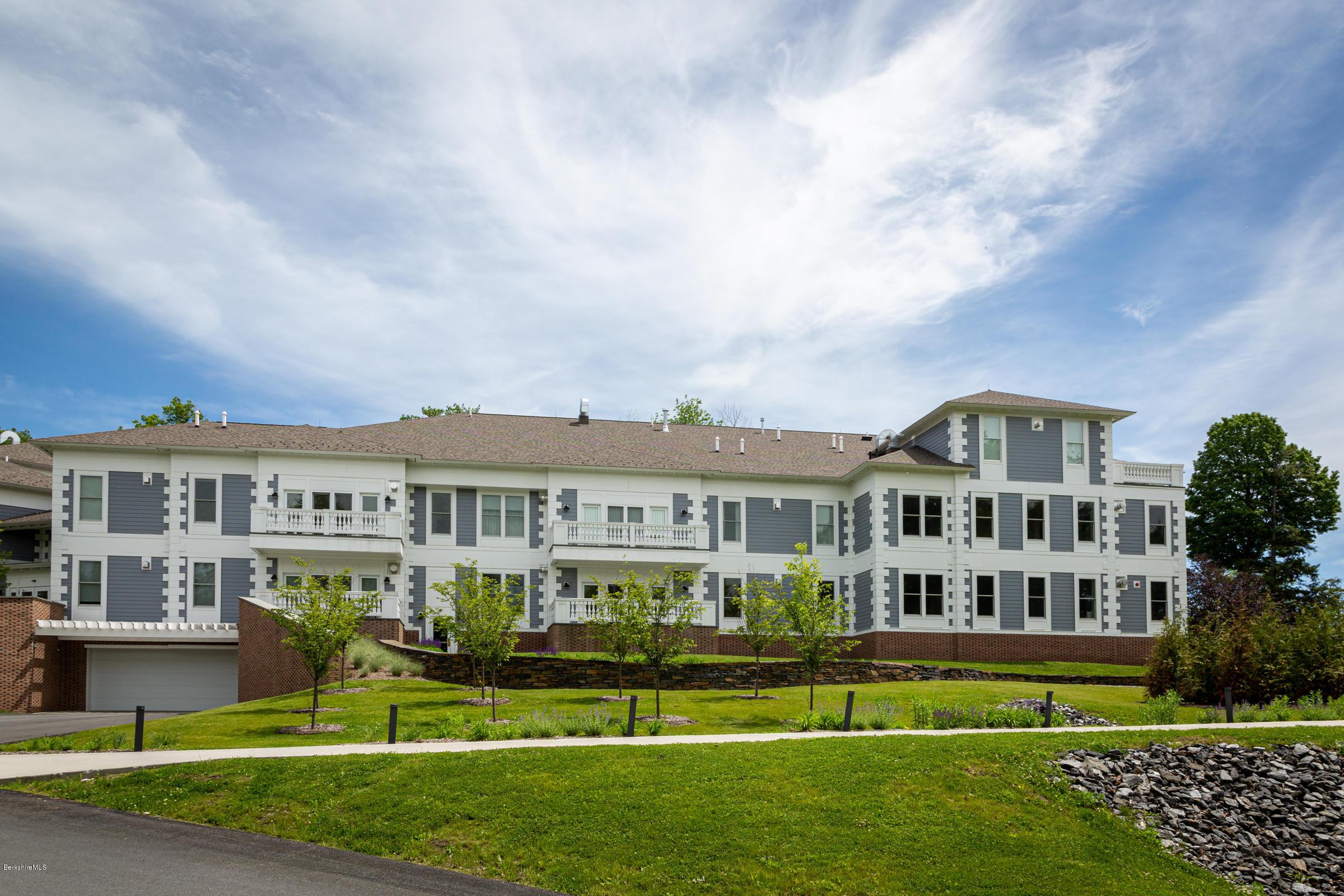 165 Kemble, Lenox, Massachusetts 01240, 1 Bedroom Bedrooms, 5 Rooms Rooms,2 BathroomsBathrooms,Condominium,For Sale,Kemble,232125
