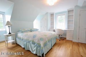 12 Prospect Hill Stockbridge MA 01262