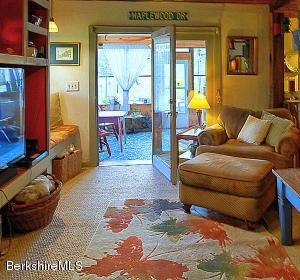 435 Maple Hinsdale MA 01235