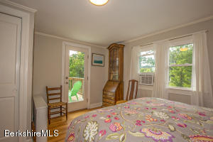 106 Old Stockbridge Lenox MA 01240
