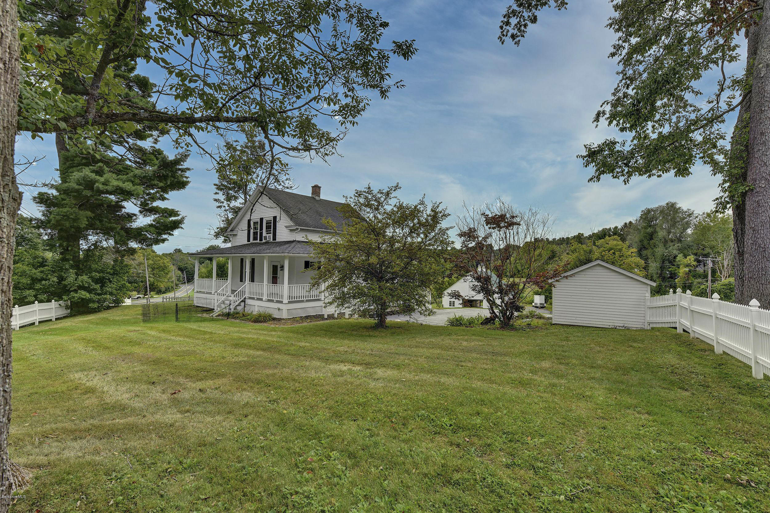 Quintessential 5 Acres Berkshire Horse Farm Steepleview Realty Real Estate In The Berkshires