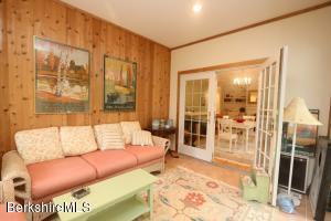 11 Prospect Hill Rd, Stockbridge MA 01262