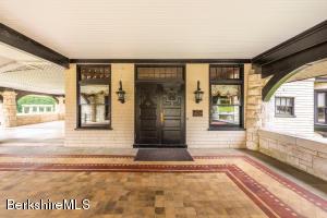 310 Old Stockbridge Lenox MA 01240