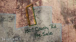 1507 County Stamford VT 05352
