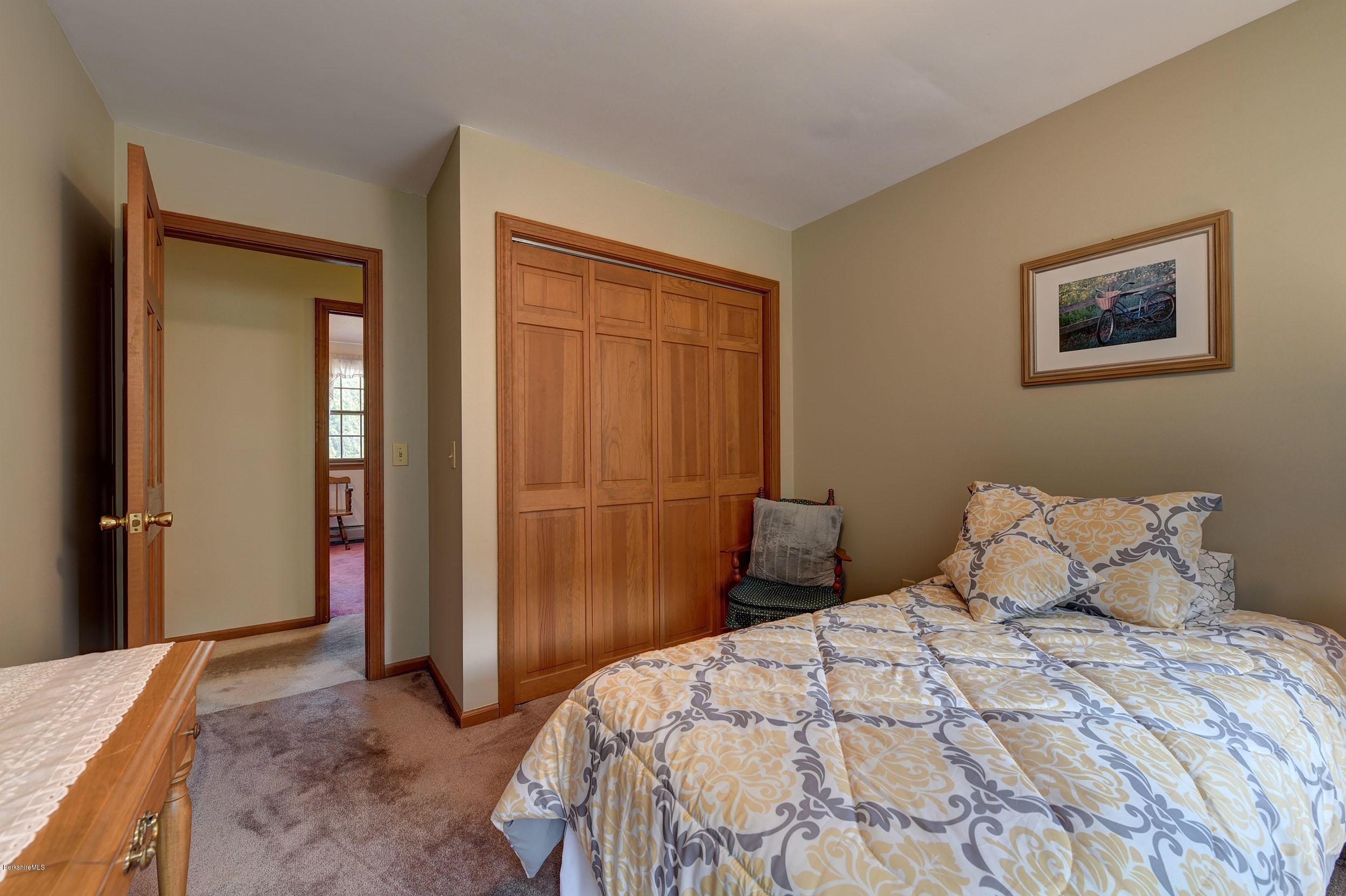 Sold 45 Appletree Ln Dalton Ma 01226 5 Beds 2 Full Baths 1 Half Bath 419900