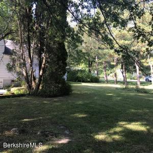 4 Woodlawn Williamstown MA 01267