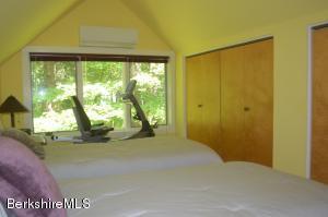 14 Quiet Knoll Stockbridge MA 01262