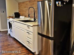 159 Cascade Pittsfield MA 01201